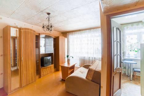 Сдается 2-комнатная квартира посуточно в Екатеринбурге, улица Маяковского, 29.