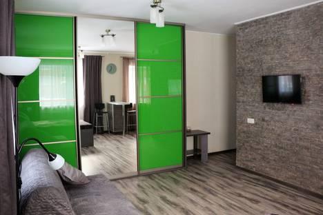 Сдается 1-комнатная квартира посуточно в Томске, улица Никитина, 17А.