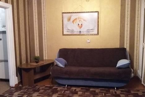 Сдается 2-комнатная квартира посуточно в Глазове, улица Короленко, 29б.