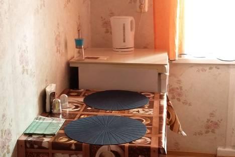 Сдается 2-комнатная квартира посуточнов Глазове, улица Энгельса, 25б.
