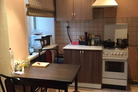 Сдается 1-комнатная квартира посуточно в Перми, улица Луначарского, 90.