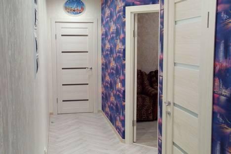 Сдается 2-комнатная квартира посуточнов Щёкине, улица Смидович, дом 18а.