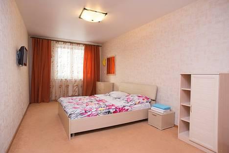 Сдается 2-комнатная квартира посуточнов Екатеринбурге, Луганская 4.