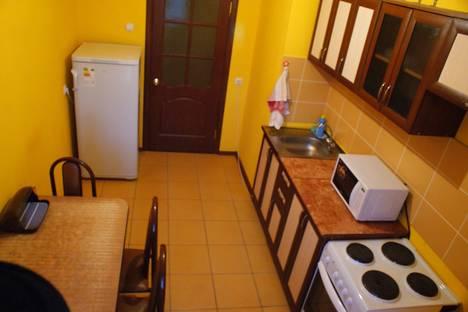 Сдается 2-комнатная квартира посуточно в Абакане, Дружбы народов, 40.