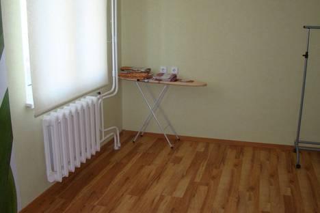 Сдается 1-комнатная квартира посуточнов Кирове, ульяноская 16.