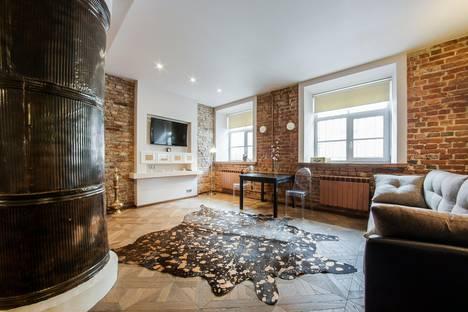 Сдается 1-комнатная квартира посуточно в Санкт-Петербурге, Миллионная 20.