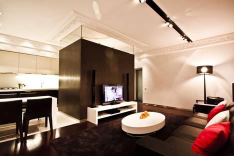 Сдается 2-комнатная квартира посуточно в Санкт-Петербурге, Невский пр. 133.