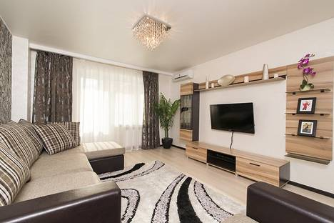 Сдается 1-комнатная квартира посуточнов Екатеринбурге, ул. Академика Шварца, 6/1.