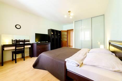 Сдается 3-комнатная квартира посуточно, ул.Воровского, 3.
