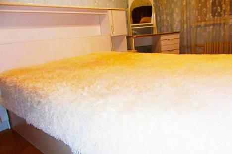 Сдается 3-комнатная квартира посуточно, проспект Фатыха Амирхана, 21.