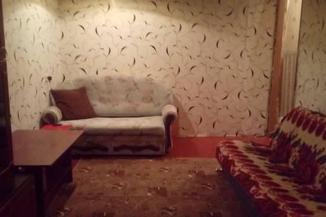 Сдается 1-комнатная квартира посуточнов Назарове, улица 30 лет ВЛКСМ, 50.