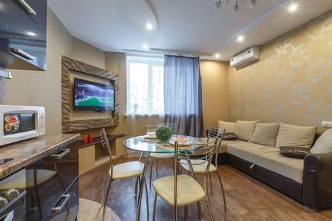 Сдается 3-комнатная квартира посуточно в Самаре, улица Пионерская, 100.