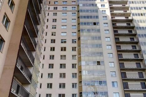 Сдается 1-комнатная квартира посуточнов Санкт-Петербурге, улица Бабушкина, 82.