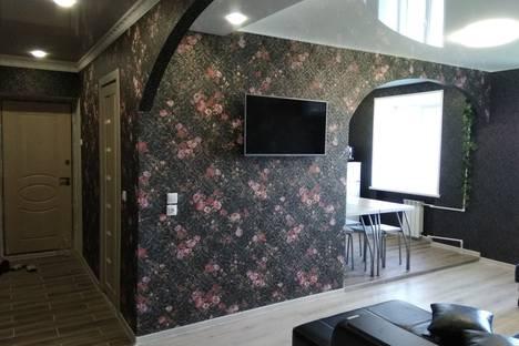 Сдается 3-комнатная квартира посуточно, проспект Ибрагимова 83а.