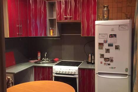 Сдается 2-комнатная квартира посуточно в Белогорске, улица Кирова, 305.
