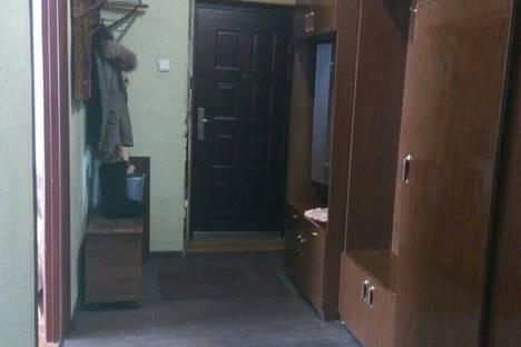 Сдается 2-комнатная квартира посуточнов Абзаково, Вокзальная 2/5.