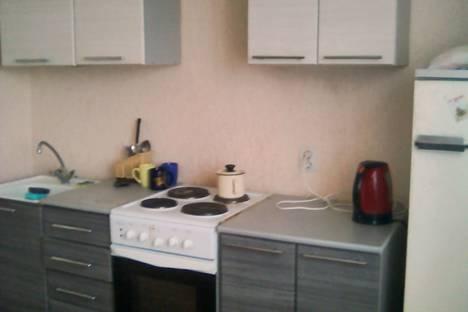 Сдается 1-комнатная квартира посуточно в Курске, проспект Вячеслава Клыкова, 77.