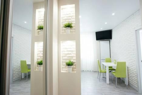 Сдается 1-комнатная квартира посуточнов Екатеринбурге, улица Сакко и Ванцетти, 99.