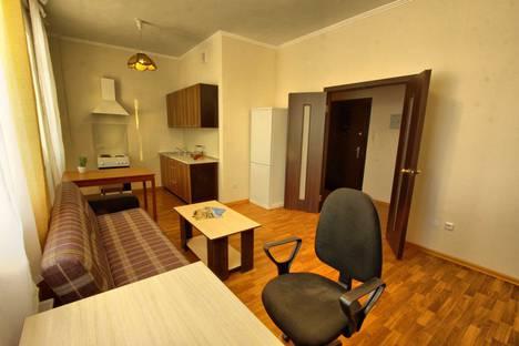 Сдается 1-комнатная квартира посуточно в Нефтеюганске, Школьная 11-8.