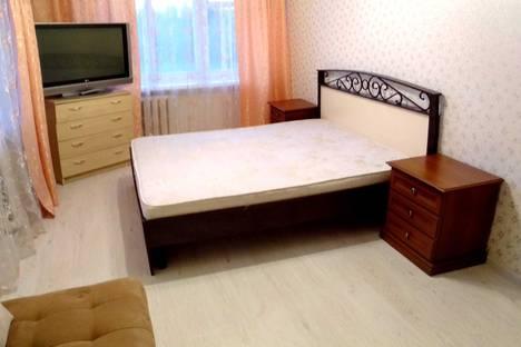 Сдается 3-комнатная квартира посуточно в Тюмени, улица Мельникайте, 66.