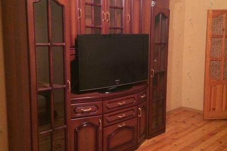 Сдается 3-комнатная квартира посуточно в Оренбурге, Туркестанская улица, 27.