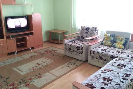 Сдается 3-комнатная квартира посуточно, улица Алексеева, 22.