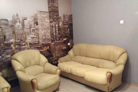 Сдается 3-комнатная квартира посуточно, улица Алексеева, 109.