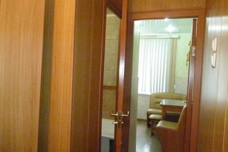 Сдается 1-комнатная квартира посуточно в Новотроицке, Зеленая улица, 21А.