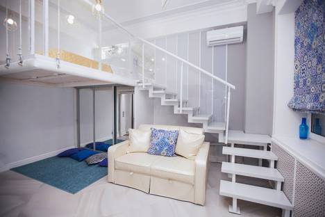 Сдается 1-комнатная квартира посуточно в Москве, Люсиновская улица, 60.