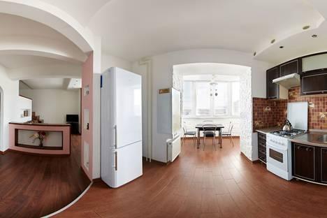 Сдается 1-комнатная квартира посуточно в Ровно, Буковинская 14а.