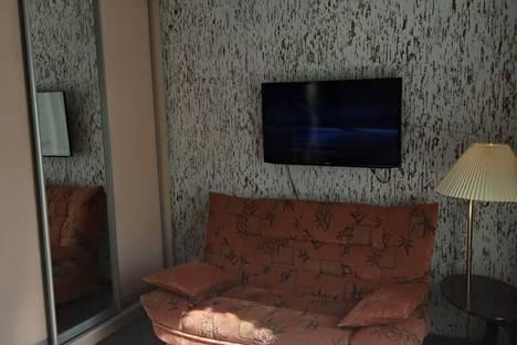 """Сдается 1-комнатная квартира посуточно в Туапсе, улица Кавказская 1 """"в""""."""