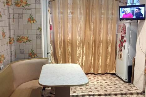 Сдается 2-комнатная квартира посуточно в Байкальске, Гагарина микрорайон, 200.