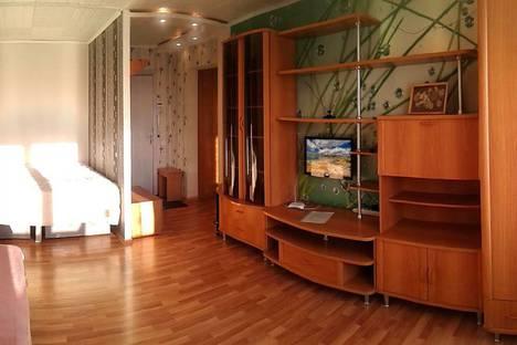 Сдается 1-комнатная квартира посуточно в Братске, улица Малышева, 38.