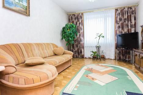 Сдается 2-комнатная квартира посуточнов Омске, Иртышская Набережная улица 9к1.