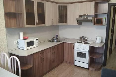 Сдается 2-комнатная квартира посуточно в Абакане, улица Лермонтова, 21.