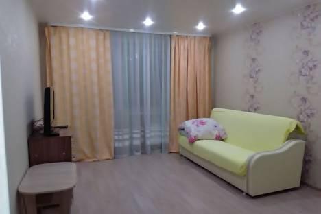 Сдается 2-комнатная квартира посуточно в Великом Устюге, улица Кузнецова, 68.