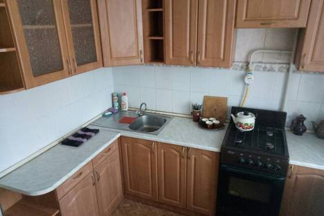 Сдается 1-комнатная квартира посуточно в Новочебоксарске, Ельниковский проезд д.8.