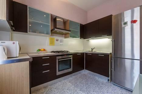 Сдается 2-комнатная квартира посуточно в Самаре, улица Садовая, 69.