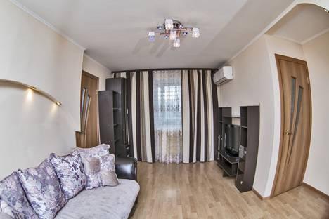 Сдается 3-комнатная квартира посуточно во Владивостоке, улица Фадеева, 12.