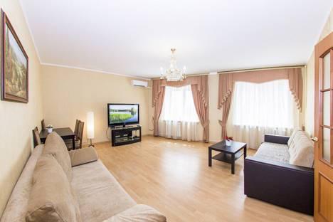 Сдается 2-комнатная квартира посуточнов Уфе, проспект Октября, 85.