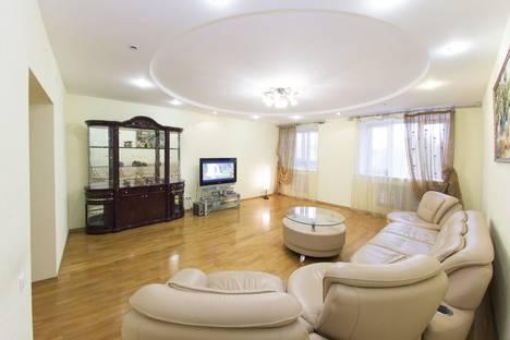 Сдается 3-комнатная квартира посуточнов Уфе, улица Мингажева, 59 корпус 1.