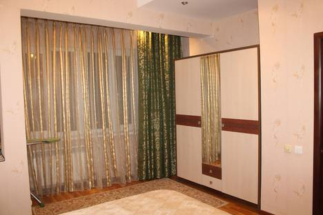 Сдается 2-комнатная квартира посуточно в Астане, улица Туркистан, 2.