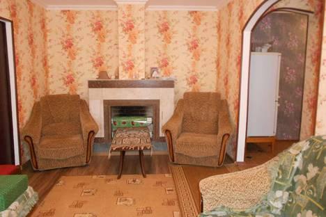 Сдается 2-комнатная квартира посуточнов Пицунде, улица Агрба, 5/2.