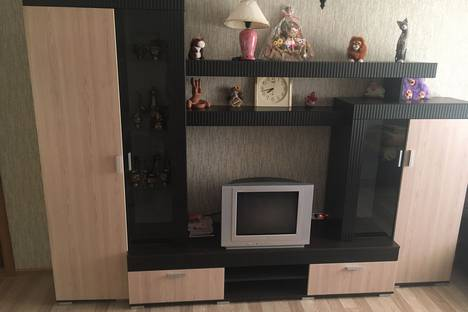 Сдается 3-комнатная квартира посуточнов Орджоникидзе, пер.Долинный д.17.