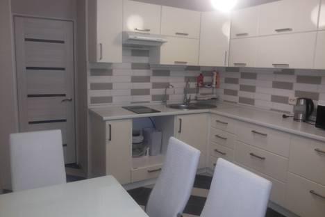 Сдается 1-комнатная квартира посуточново Владимире, улица Ставровская, 4.