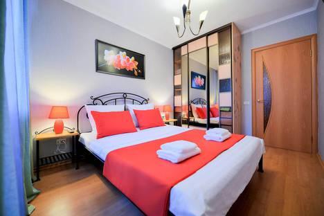 Сдается 3-комнатная квартира посуточно в Челябинске, улица Володарского, 9.