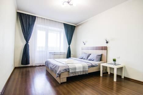 Сдается 2-комнатная квартира посуточно, улица Папанинцев, 119.
