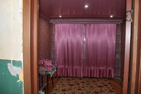 Сдается комната посуточнов Коряжме, улица Сафьяна, 7.