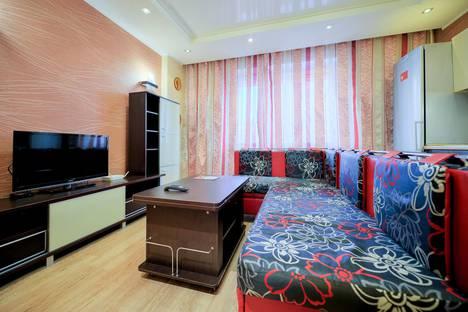 Сдается 3-комнатная квартира посуточно в Челябинске, проспект Ленина, 83А.