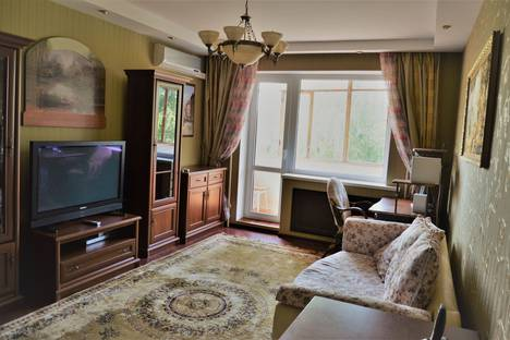 Сдается 2-комнатная квартира посуточно в Тамбове, улица набережная, 14А.